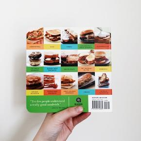 The Encyclopedia of Sandwiches af Susan Russo. Rigtig god coffee table bog!