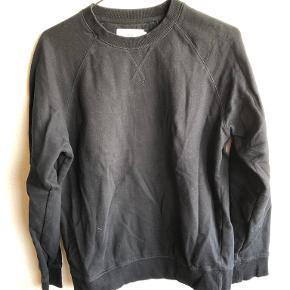 Pier One sweater