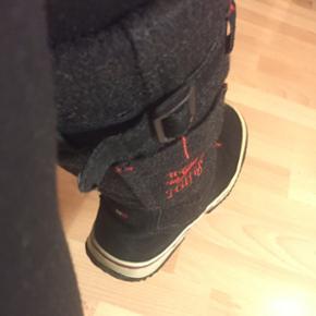 Tommy HilfigerVarme støvler, vinter bund 37  Se også mine andre annoncer 😊