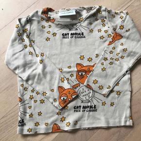 Fin bluse str 92/98 i rigtig fin stand da det er få gange den har været på . Sælges for 90 pp  Eller hentes i Kbh s