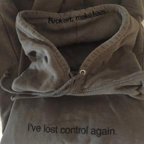 Sælger min F.A.M.T hoodie i en str xs  Cond: 8/10  Np. 599kr