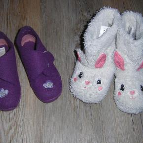 Brand: Bla. H&M Varetype: Hjemmesko Farve: Hvid/pink  Super søde kanin futter str. 24/25 og pink/lilla hjemmesko str. 26. Per par 20,-