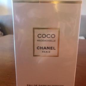 Chanel coco mademoiselle eau de parfum intense spray 100ml. Aldrig åbnet, stadig i sin æske. Køber betaler evt porto.