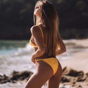 Helt ny bikini fra Bright Swimwear, str M (Kan også bruges af S)  - Nypris: 769kr   Mp: BYD❤️  - ALDRIG brugt før!  - Stropperne kan justeres både i toppen og i underdele   - Sælger da den er for lille  - Ryge- og dyrefrit hjem  Kom med bud☺️