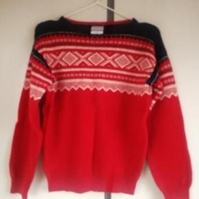 Ægte Marius Sweater fra Norge i uld. Typiske mønstre.