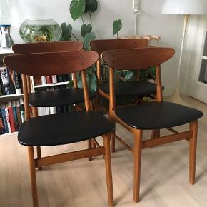 4 stk nyistandsatte Farstrup stole med nyt sort kunstlæder.  Sælges samlet og afhentes i Århus C