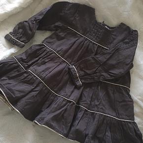 Fin og velholdt kjole fra POMPdeLUX 💓 i str 80.