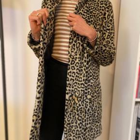 Mango leopard frakke, næsten som ny