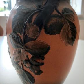 Ibsen vase. Højde 19 cm.