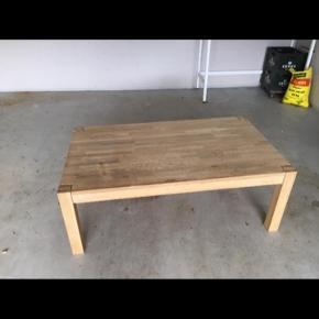 Fin sæbebehandlede egetræsbord