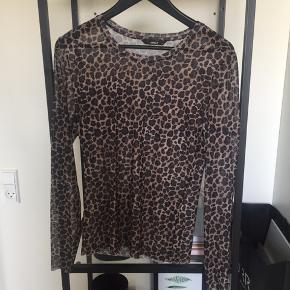 Mesh bluse/ gennemsigtig bluse med leopard / leopardmønster