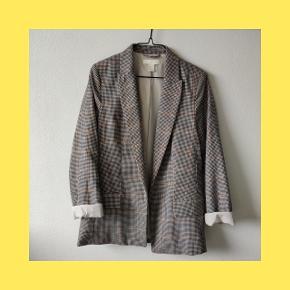 Varetype: Blazer Størrelse: S  Skønneste Blazer fra H&M, brugt få gange. Mp 150