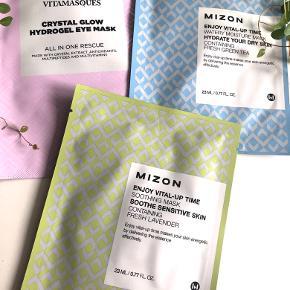 Følgende ansigtsmasker til salg:  Mizon - Enjoy Vital-Up Time (Moisture Mask)  Mizon - Enjoy Vital-Up Time (Soothing Mask) Vitamasques - Crystal Glow Hydrogel (Eye Mask)   Byd gerne kan enten afhentes i Aarhus C eller sendes på købers regning 📮✉️