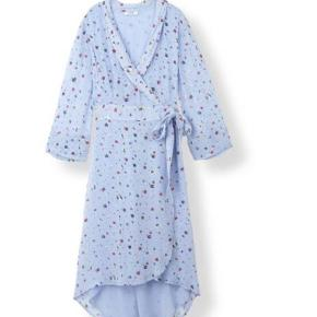 fin dainty kjole sælges, hvis rette pris opnås :)