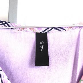 Kjole fra Y.A.S i perfekt stand, den står som ny.