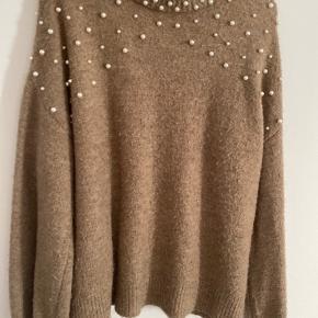 God sweater fra Vero moda. Fejler ingenting.    Tjek resten af min shop, har mærker som Han Kjøbenhavn, Envii, Ganni, Lala berlin