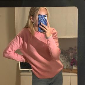 Lyserød sweater fra envii. Brugt få gange