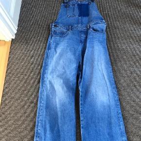 Varetype: Bukser Farve: Blå  Fede Tommy Hilfiger buksedragt i cowboystof