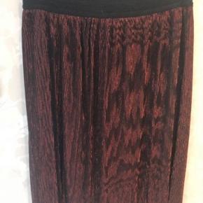 Flot nederdel med glimmer