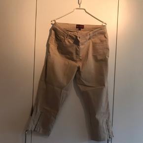 Fine 3/4 bukser. Som nye.