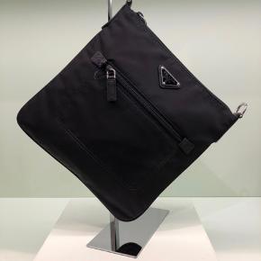 Prada anden taske
