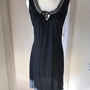 Sød lille kjole. Det er en lille M