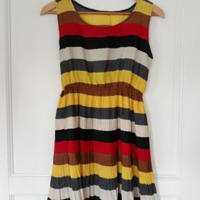 Sødeste vintage kjole str. S/M stadig pæn stand,  40kr