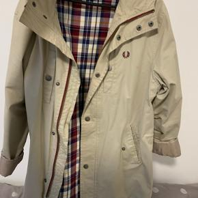 Fred Perry trenchcoat