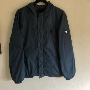 Prada jakke Str 48 (M) Cond 9/10 Intet Og Mp 2000 Køb nu 3000