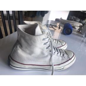 Varetype: Sneakers Størrelse: 41.5 Farve: Creme Oprindelig købspris: 650 kr.