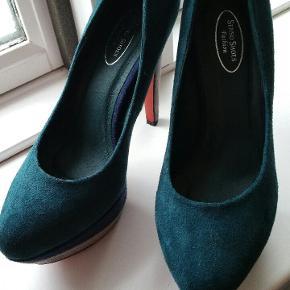 Stilletter fra Senso Shoes ,ruskind ,ca.12 sm hills og 3 sm platforme. Meget behagelige at have på, især hvis man ikke skal gå 10000 km i dem på 😅😅😅