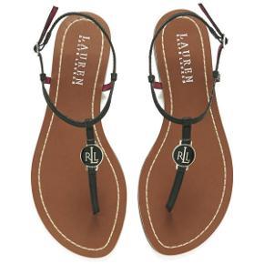 Lauren Ralph Lauren sandaler   størrelse: 38   pris 350 kr   fragt: 37 kr   de er møg fede her til sommer, de er brugt meget lidt kun 2 gange   ny pris: 899 kr   Mine egne er det helt sidste billede