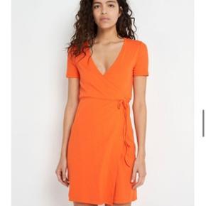 Helt ny flot envii slå om kjole. Aldrig brugt