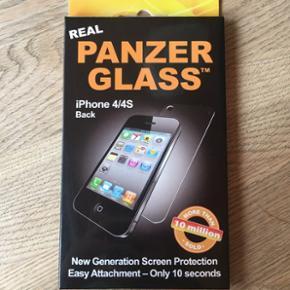 3 ægte panzerglass til iphone 4/4S - to er til bagsiden og et er til forsiden - alle er gennemsigtige og er aldrig taget ud af indpakningen - sælges til en fair pris. køber betaler fragt!
