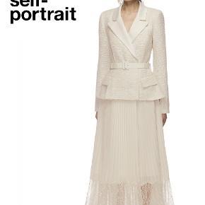 Self-portrait galla & bryllup