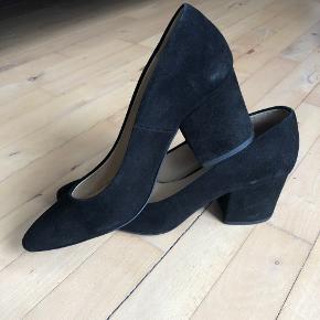 Bukela heels