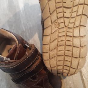 Skofus Sneakers