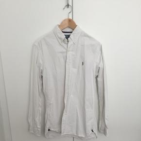 Hvid langærmet, str M/M custom fit