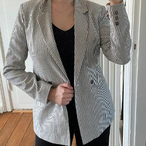 Sofie Schnoor blazer
