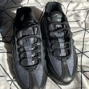 Nike air max 95 med glitter ☀️  Np: 1400 kr