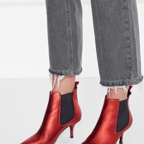 Anine Bing Stevie Boots metallic red.Aldrig brugt. Nypris 3000
