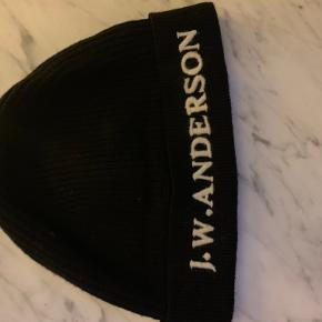 Jw Anderson hue & hat