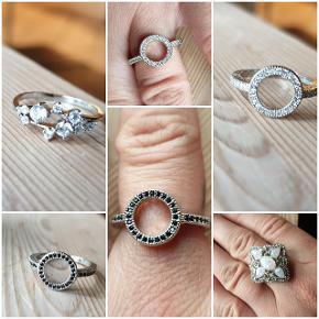 Se alle de nye smykker og detaljer under min profil. Helt nye/ubrugte