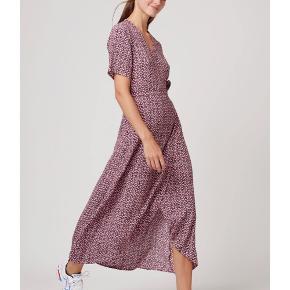Sælger denne fine kjole fra Boii Studios. Den er kun brugt én gang, så den er helt som ny 💖
