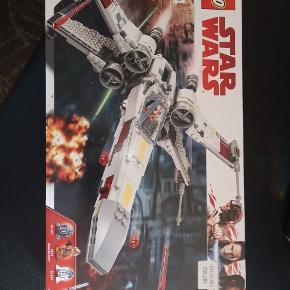 LEGO STAR WARS MODEL 75218 HELT NY ALDRIG BLEVET ÅBNET NYPRIS 799 KØBT PÅ TILBUD MED 35 % SÅ ER NORMALT DYRERE SÆLGES FOR 500