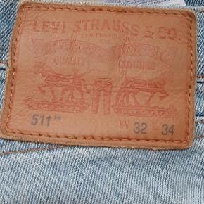 Levi's jeans. W:32 L:34