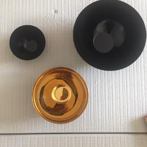Normann copenhagen Krenit skåle: Sort 16 cm, 150 kr Guld 12,5 cm, 100 Sort 8,4 cm, 75 kr  Samlet pris 300