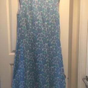 Vintage kjole. Kan passes af en  s-l