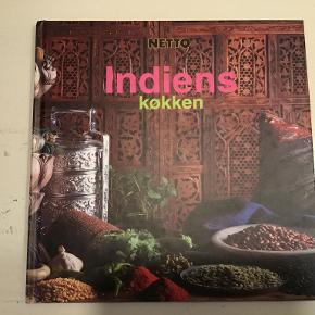 Indiens køkken kogebog med masser af lækre opskrifter :)   Se også mine andre annoncer og spar evt. på portoen :)