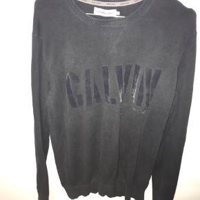 Næsten helt ny sweater fra Calvin Klein Fejler intet  99,-